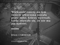 Dale Carnegie cytat o wytrwałości i nadziei