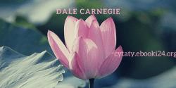Dale Carnegie cytat o uśmiechu